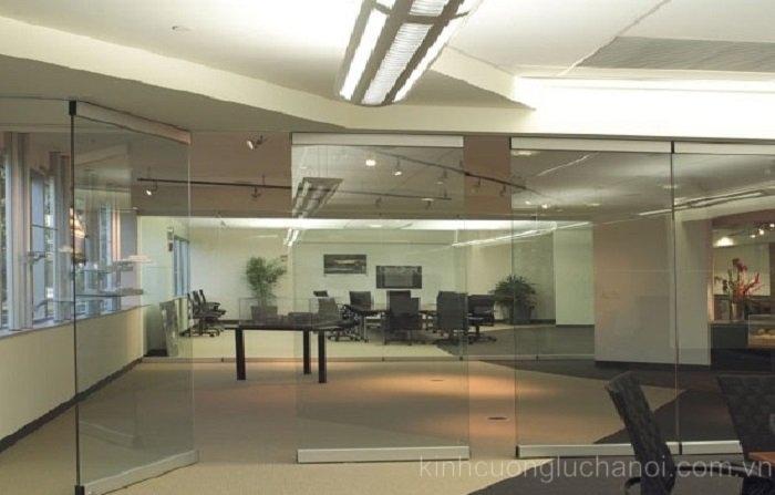 Cửa kính thủy lực văn phòng đẹp